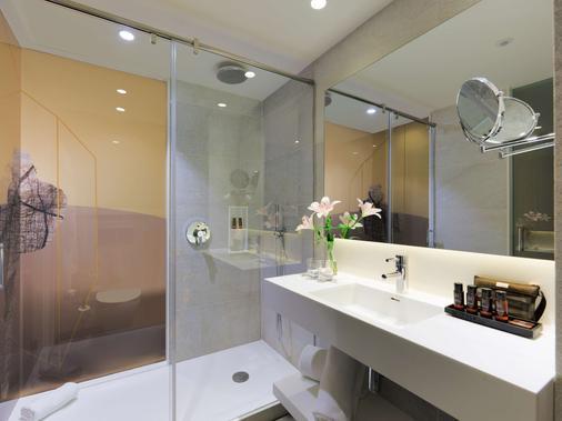 H10 Art Gallery - Barcelona - Bathroom