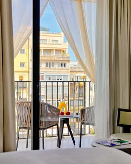 H10 Art Gallery - Barcelona - Balcony