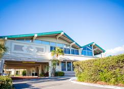 Best Western Plus Yacht Harbor Inn - Dunedin - Building