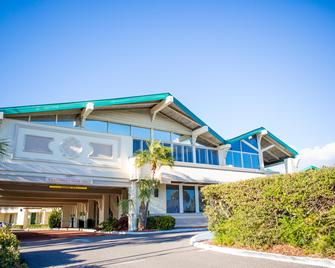 Best Western Plus Yacht Harbor Inn - Dunedin - Gebäude
