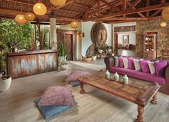 Buena Vida Resort And Spa - Daanbantayan - Front desk