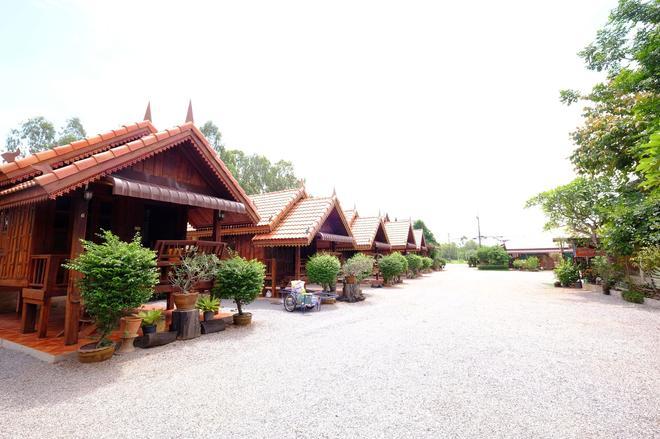 Khum Tewa Sakon Nakhon - Sakon Nakhon - Outdoors view