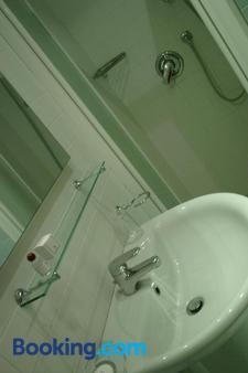 Gala - Pesaro - Μπάνιο