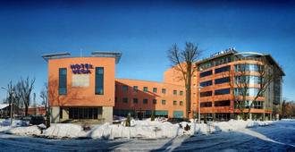Business Hotel Vega - Wroclaw - Building