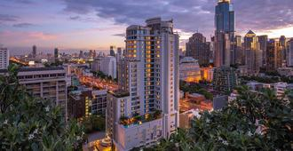 DoubleTree by Hilton Bangkok Ploenchit - Bangkok - Outdoors view