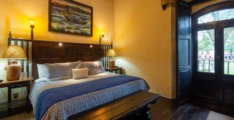 Hotel Mansion Iturbe - Pátzcuaro - Bedroom