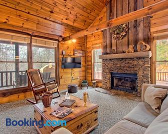 Best Kept Secret - Blue Ridge - Living room
