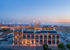 Porto Palace Hotel - Салоники - Здание