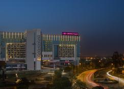 Crowne Plaza Greater Noida - Велика Нойда - Building