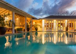 Cotton House - Mustique - Pool