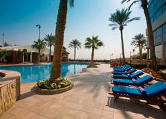Elite Resort & Spa - Manama - Piscina