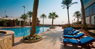 Elite Resort & Spa - מאנאמה - בריכה