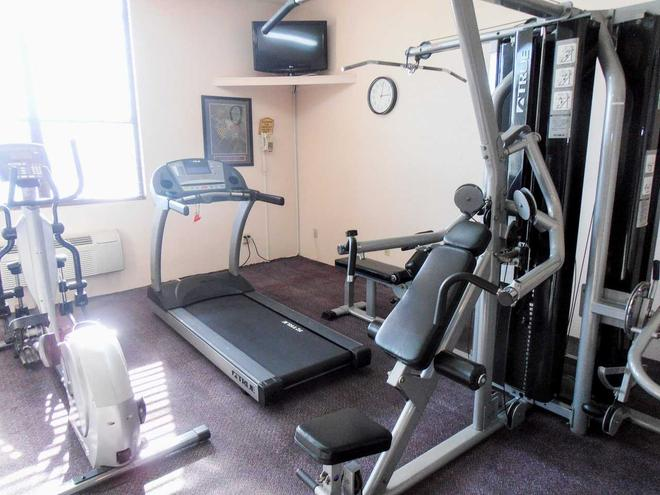 Quality Inn and Suites Downtown North - Austin - Gym