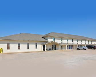 Motel 6 South Haven - South Haven - Building