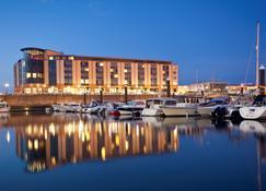Radisson Blu Waterfront Hotel, Jersey - Jersey - Edifício