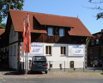 Hotel und Gästehaus Will - Isernhagen - Building