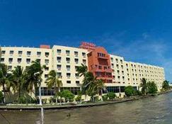 Ramada Belize City Princess Hotel - Belize City - Bina