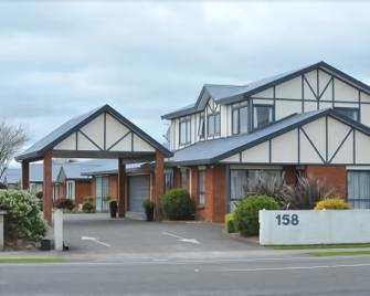 Tudor Lodge Motel - Hawera - Building