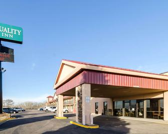Quality Inn - Ogallala - Building