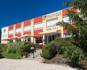 Hotel Le Pacifique - Риом - Здание