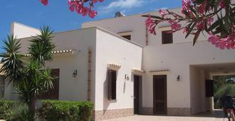 Mariposa Bed And Breakfast - San Vito Lo Capo - Building