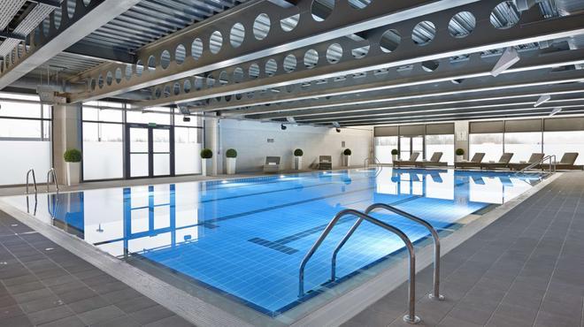 Village Hotel Edinburgh - Edinburgh - Bể bơi