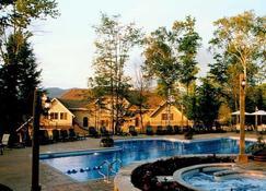 Cap Tremblant 溫德姆酒店 - 特姆布朗特山 - 蒙特朗布朗 - 游泳池