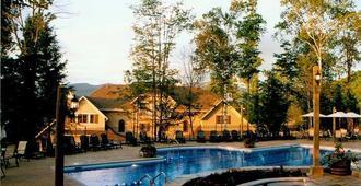 Cap Tremblant Mountain Resort - Mont-Tremblant - Piscina