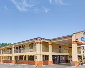 Days Inn by Wyndham Acworth - Acworth - Building