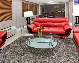 Days Inn by Wyndham Acworth - Acworth - Obývací pokoj
