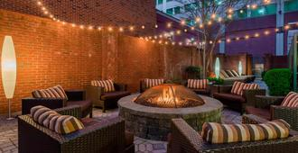 Courtyard by Marriott Chattanooga Downtown - Chattanooga - Patio