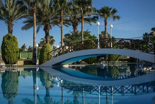 蘆薈酒店 - 帕佛斯 - 帕福斯 - 游泳池