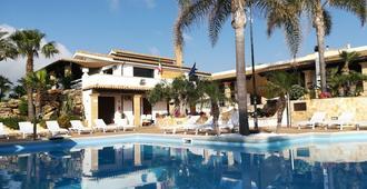 Villa Carlo Resort - Marsala - Bể bơi