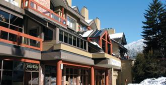 Whistler Village Inn And Suites - Whistler - Κτίριο