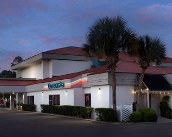 Quality Inn Mayport - Atlantic Beach - Edificio