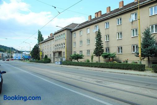 Sd Nemcovej 1 - Košice - Building