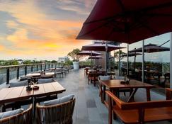 Oakwood Apartments Sanya - Sanya - Restaurante