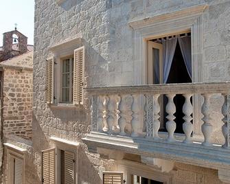 Lesic Dimitri Palace - Korčula - Byggnad