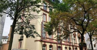 Hotel West an der Bockenheimer Warte - Frankfurt - Bygning