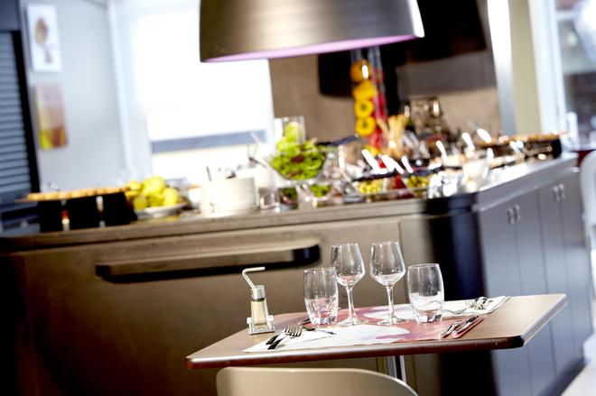 Campanile Bordeaux Le Lac - Bordeaux - Buffet