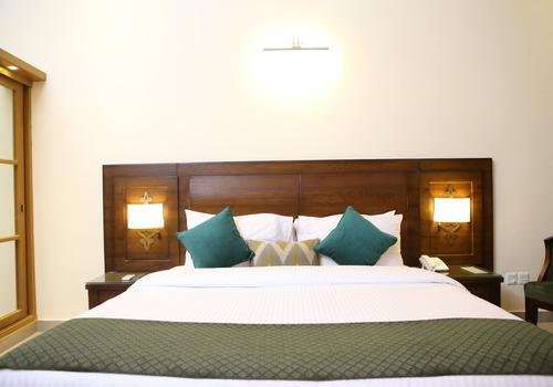 Dreamworld Resort Hotel Golf Course 86 1 1 2 Karachi Hotel Deals Reviews Kayak
