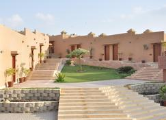 Dreamworld Resort, Hotel & Golf Course - Karachi - Vista del exterior