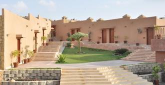 Dreamworld Resort, Hotel & Golf Course - Karachi - Vista del exterior