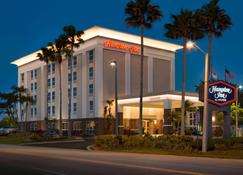 Hampton Inn Tampa-Rocky Point - Tampa - Building