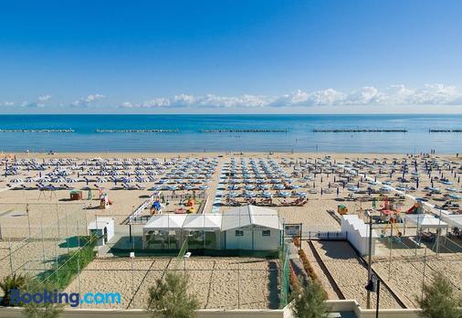 Hotel Mareblu - Senigallia - Beach