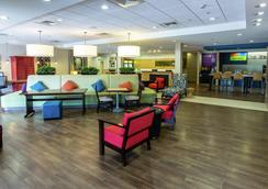 Home2 Suites by Hilton Charlotte I-77 South, NC - Charlotte - Hành lang