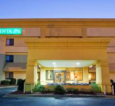 La Quinta Inn & Suites by Wyndham Columbus State University
