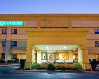La Quinta Inn & Suites by Wyndham Columbus State University - Columbus - Building