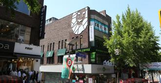 Philstay Ehwa Boutique - Seoul - Building