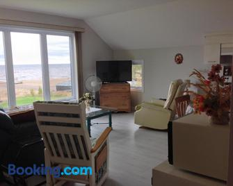 Domaine sur une plage - Saint-Félicien - Living room